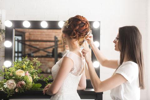 fryzjer przed ślubem