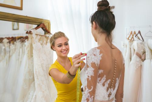 krawcowa sukien ślubnych