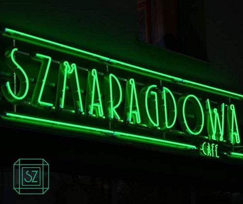 SZMARAGDOWA CAFE